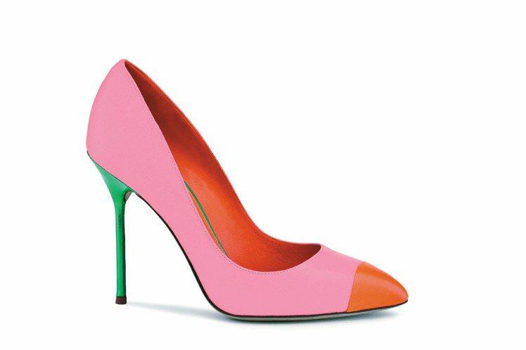 sergio rossi螢光橘紅小羊皮色塊拼接高跟鞋,25,000元。圖/ser...