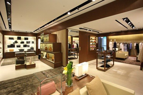 全台最大150坪數店面提供適的購物環境,嶄新的沙發設計及陳列空間,讓購物成為一種...