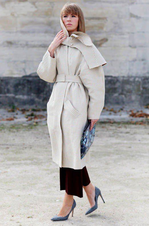 尖頭鞋配大衣雖然看起來頭重腳輕,但反而有種衝突美,纖細的下半身與大衣的厚重份量均...