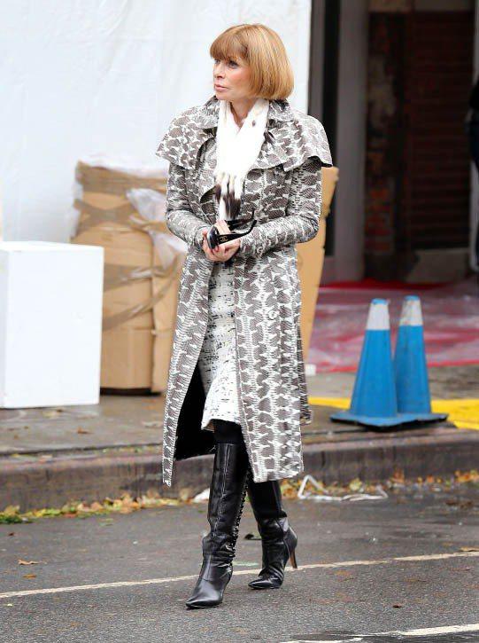 安娜溫圖也以尖頭長靴做為秋冬陪她趕場的單品。圖/達志影像