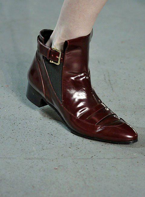 Derek Lam 秋冬尖頭皮革平底鞋。圖/達志影像
