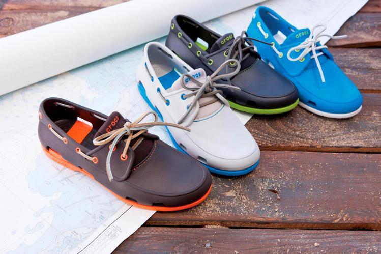 Crocs帆船鞋以EVA 、橡膠材質打造。圖/Crocs提供