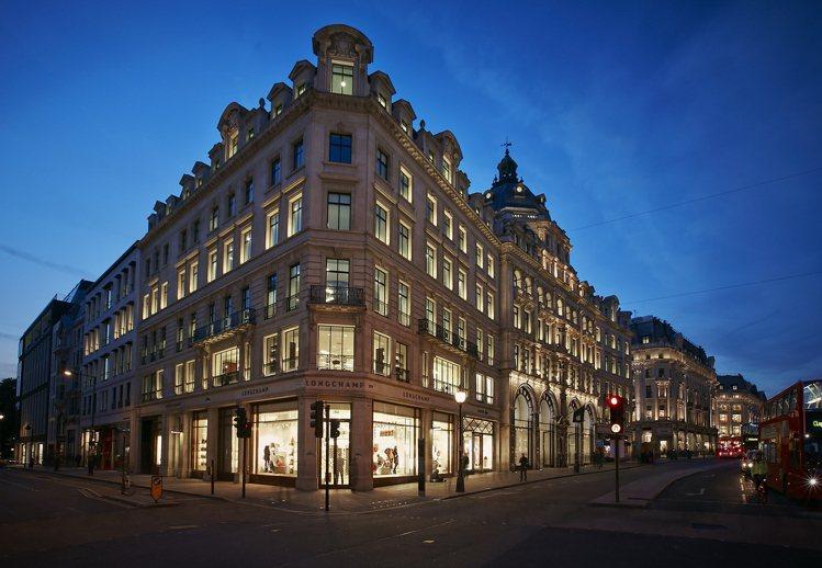 LONGCHAMP倫敦旗艦店「La Maison in Motion」位在倫敦攝...