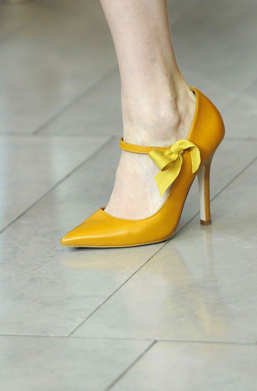 瑪莉珍鞋也是值得投資的萬年不敗款,搭配洋裝與風衣外套,可以展現很簡約的優雅。圖/...