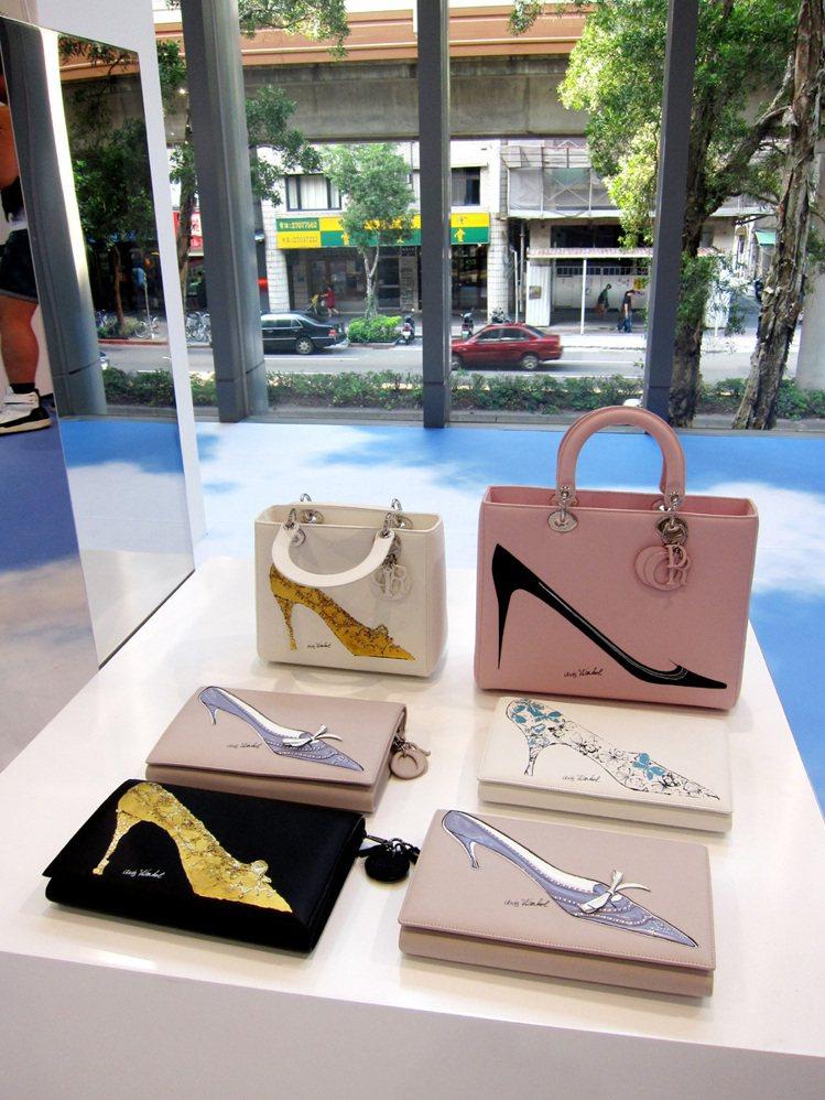 Dior 把安迪沃荷繪製的高跟鞋印上手拿包,更添活潑質感。記者李盈儀/攝影