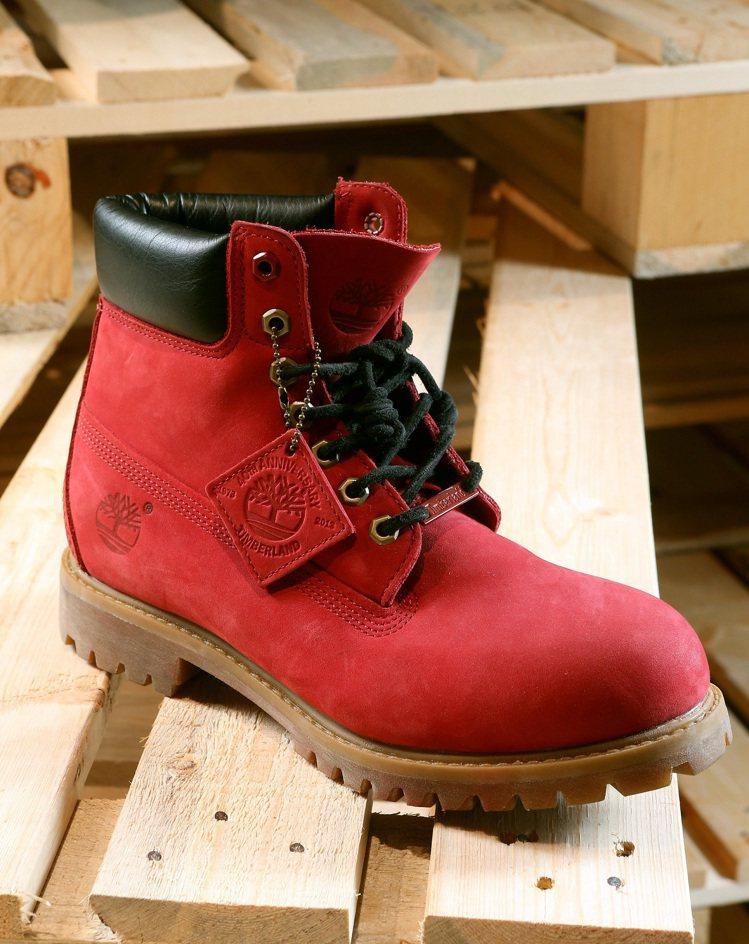 Timberland 40周年紅寶石六吋靴 NTD$ $6,900。圖/Timb...