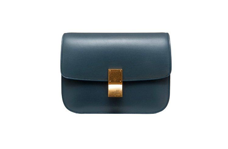 CELINE Classic墨灰色小牛皮側背包,140,000元。圖/CELIN...