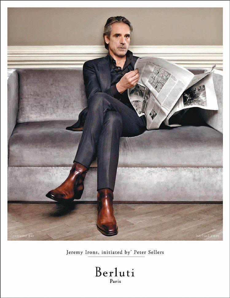 從粉絲到代言人,知名英國演員Jeremy Irons今年為Berluti拍攝首支...