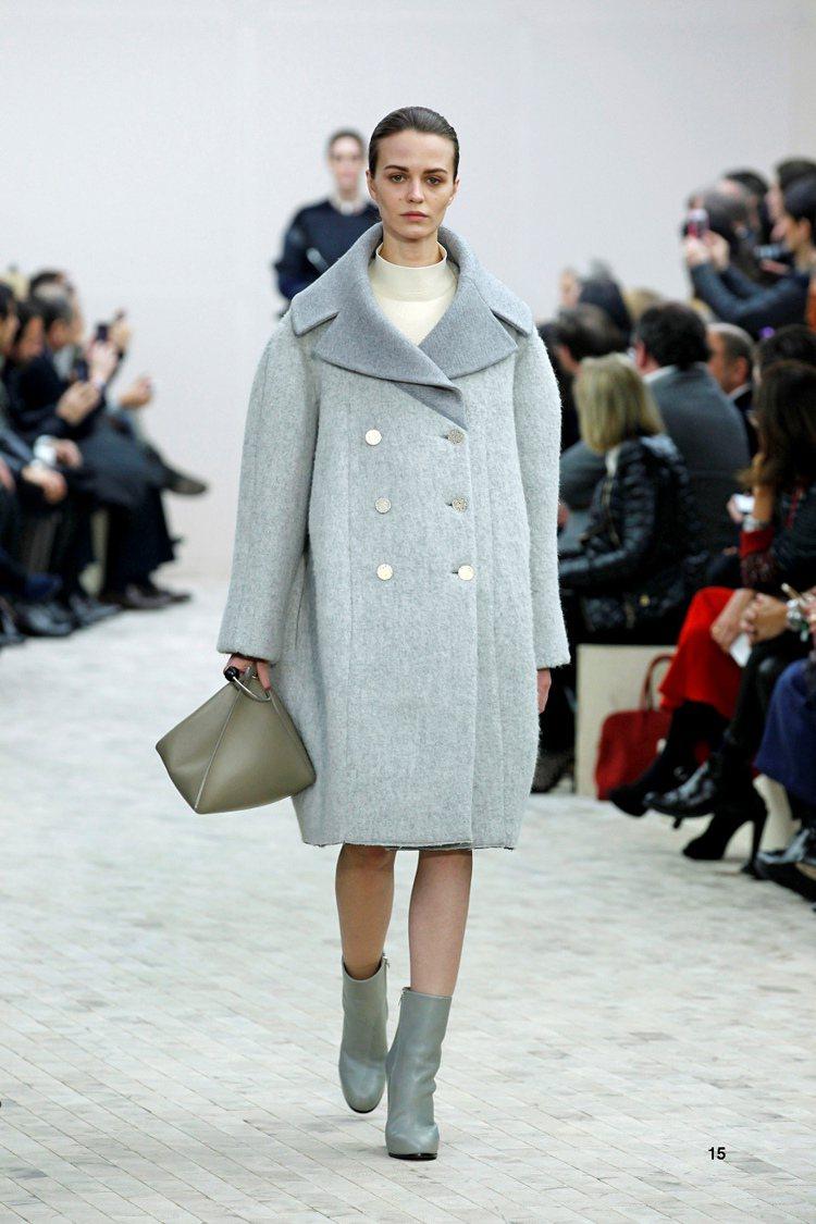 CELINE 等品牌秋冬秀上都可看到大量的踝靴、短靴。圖/CELINE提供