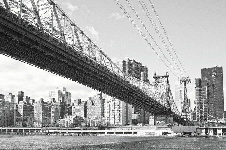 LV認為紐約具有豐富的社會人情面貌,令人久久不能忘懷。圖/LV提供