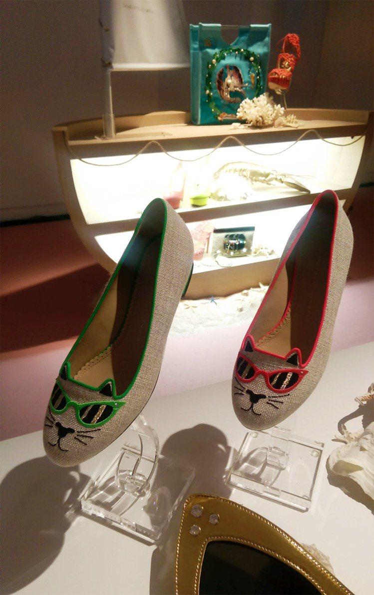 早春新品從五○年代的美式文化中找靈感。好萊塢女星幾乎人腳一雙的貓臉鞋採用新穎橡膠...