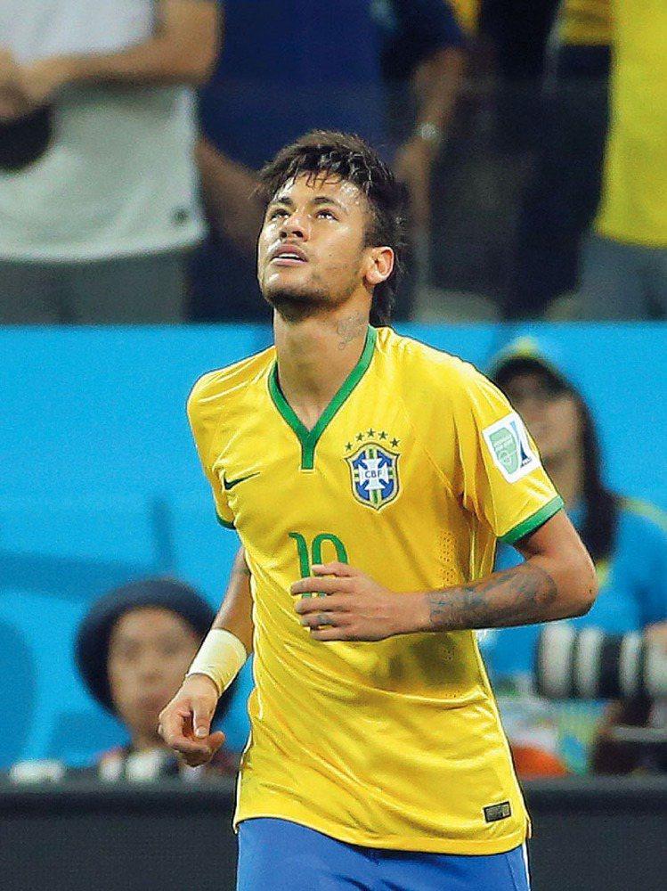 內馬爾的專屬MCM背包,外觀結合其代表的巴西國旗和色系,內側則有個人化圖案。圖/...