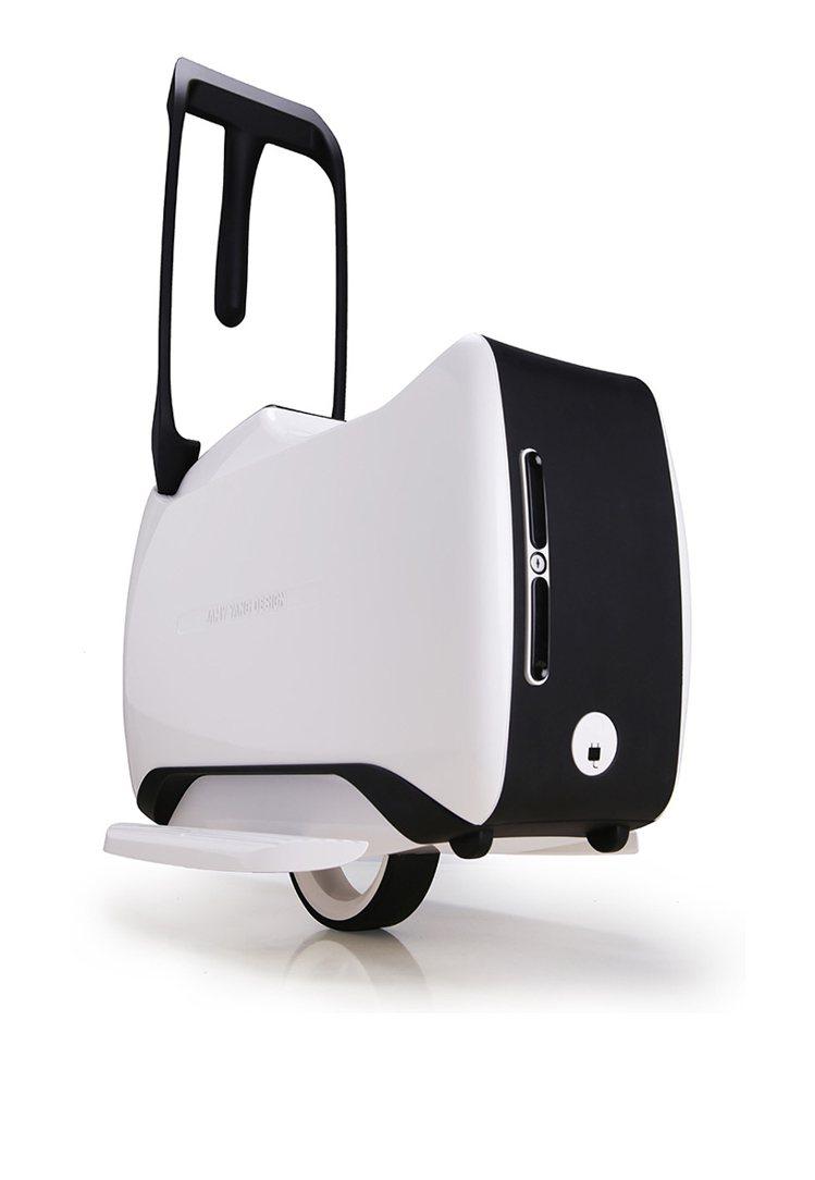 由香港設計公司YANG DESIGN替知名精品TUMI所設計的電動旅行箱日前在香...
