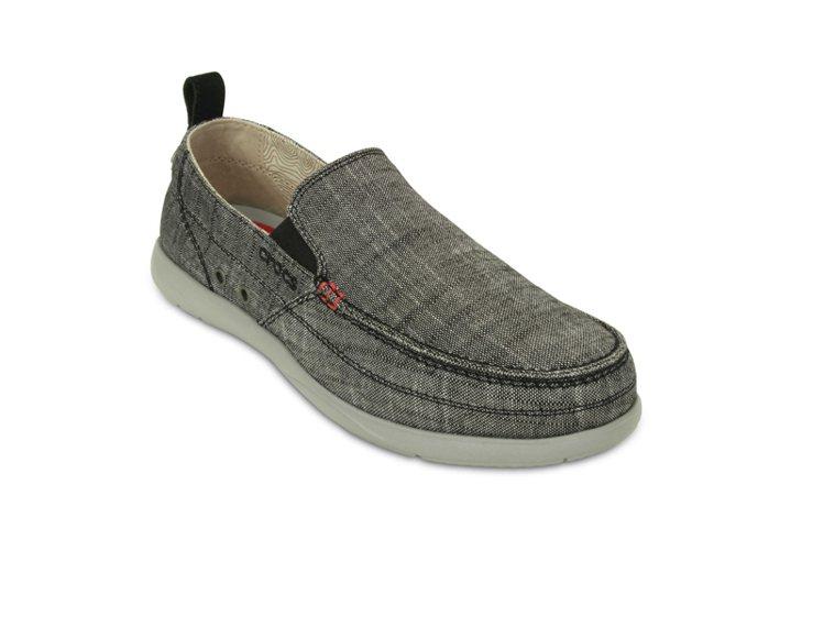 Crocs 酷格紋沃爾盧(黑) NT 2,380。圖/卡駱馳提供