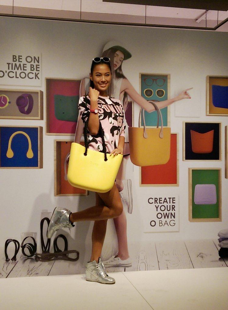 義大利品牌 O BAG FACTORY 發表春夏新品,主打粉嫩馬卡龍色包款,發表...