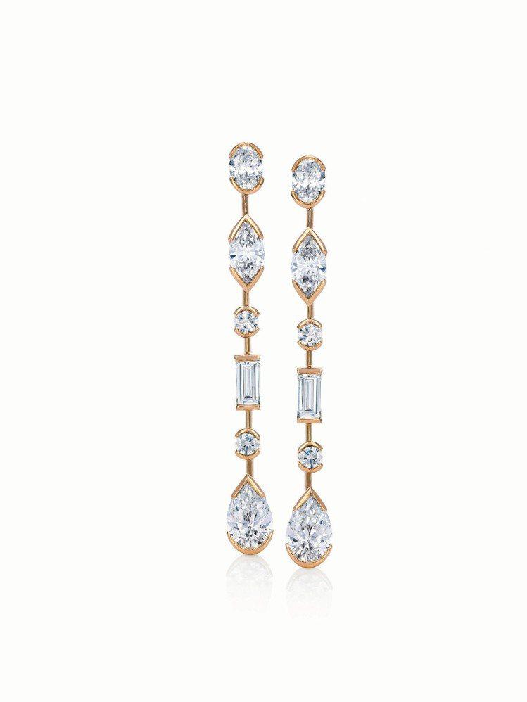 Swan Lake鑽石玫瑰金耳環,鑲嵌共12顆5.35克拉,208萬5,000元...