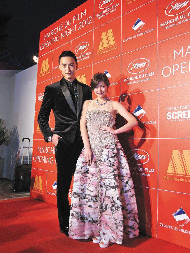 陳妍希(右)穿香奈兒曳地禮服出席坎城影展,要價220萬。圖/CHANEL提供