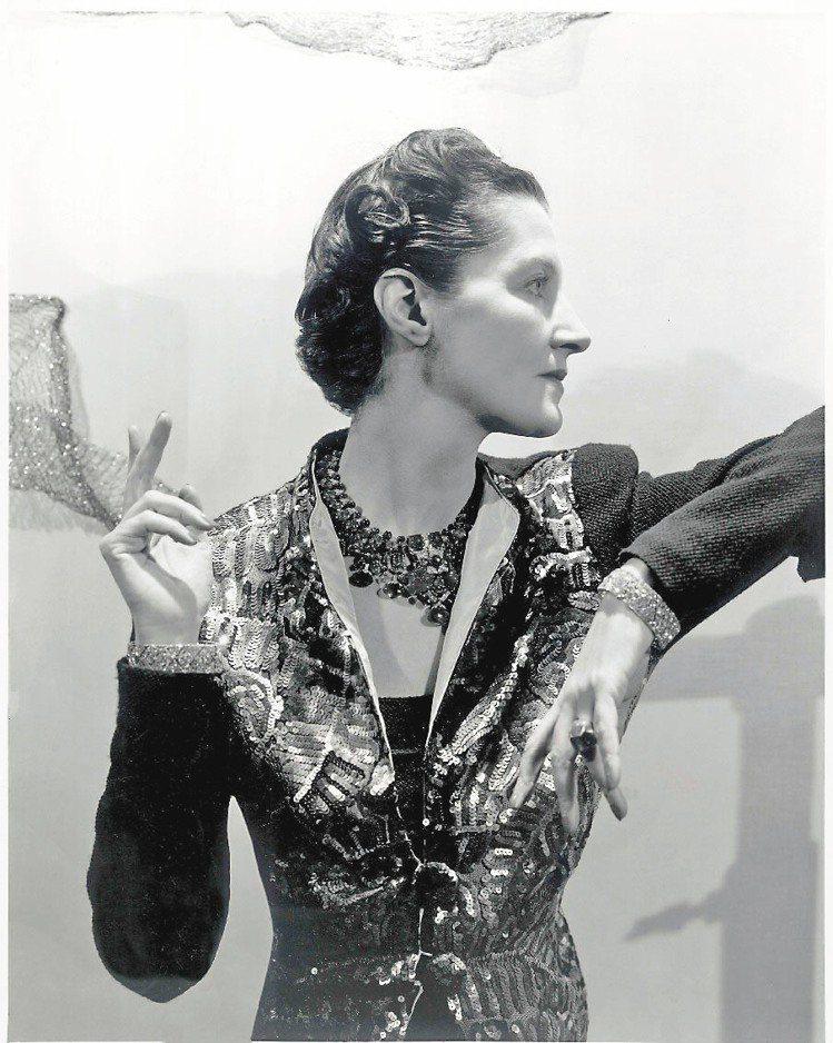 黛絲法羅斯夫人配戴卡地亞Tutti Frutti水果錦囊項鍊。圖/卡地亞提供