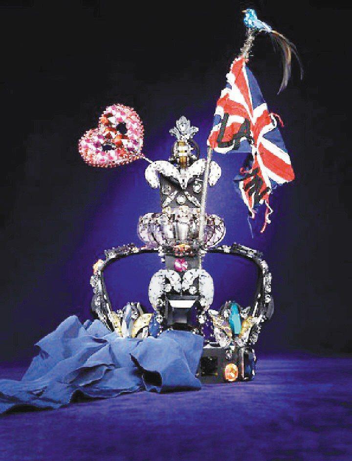 哈洛德為英女王登基60年匯集精品和珠寶品牌辦奢華皇冠展,此為浪凡設計的皇冠。圖/...