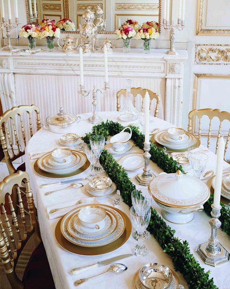 Christofle的產品涵蓋器皿、食具、瓷器、餐桌用布、水晶製品、裝飾品與禮品...