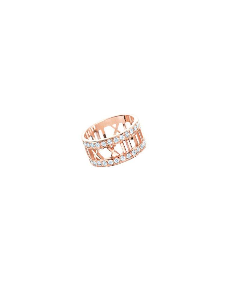 Tiffany Atlas系列18K玫瑰金鏤空鑲鑽戒指,12萬1,000元。圖/...
