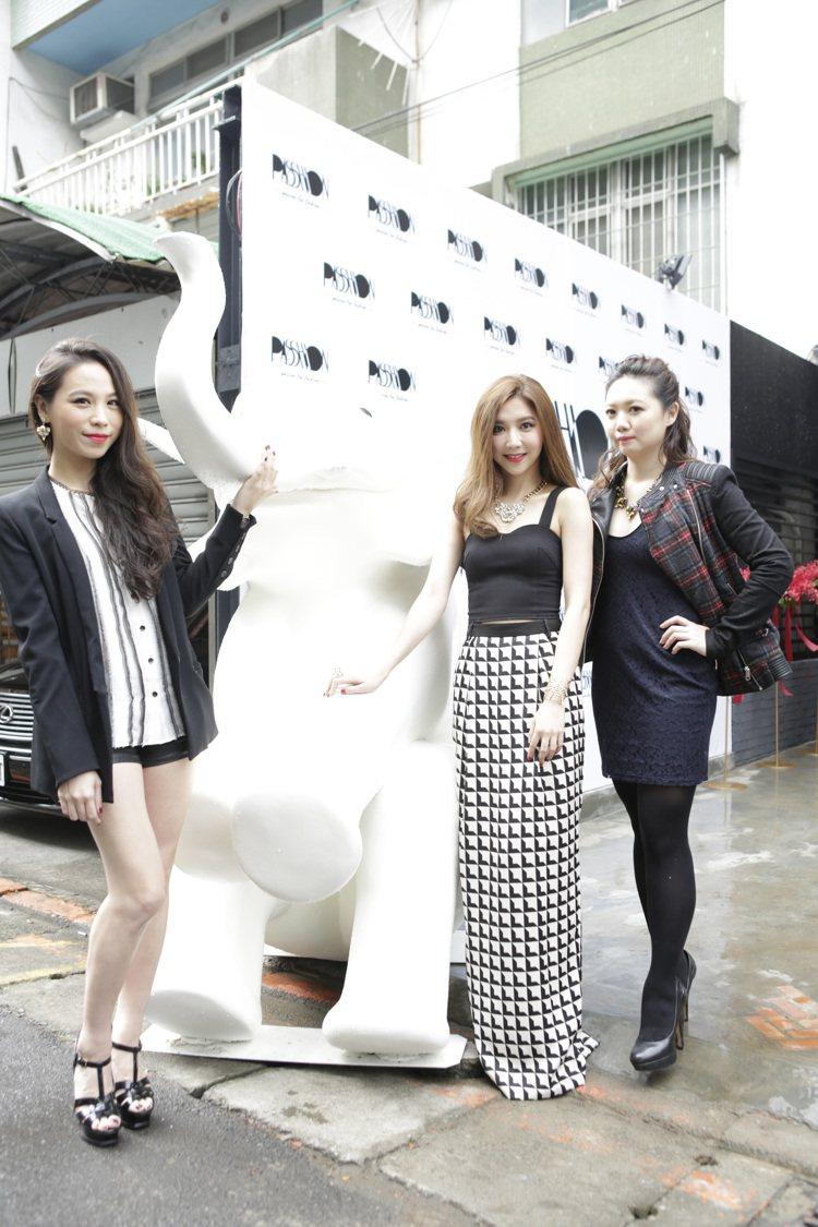 (左起) Vicky陳薇捷、Jezy林育菁及Stephanie張立妲與品牌精神指...