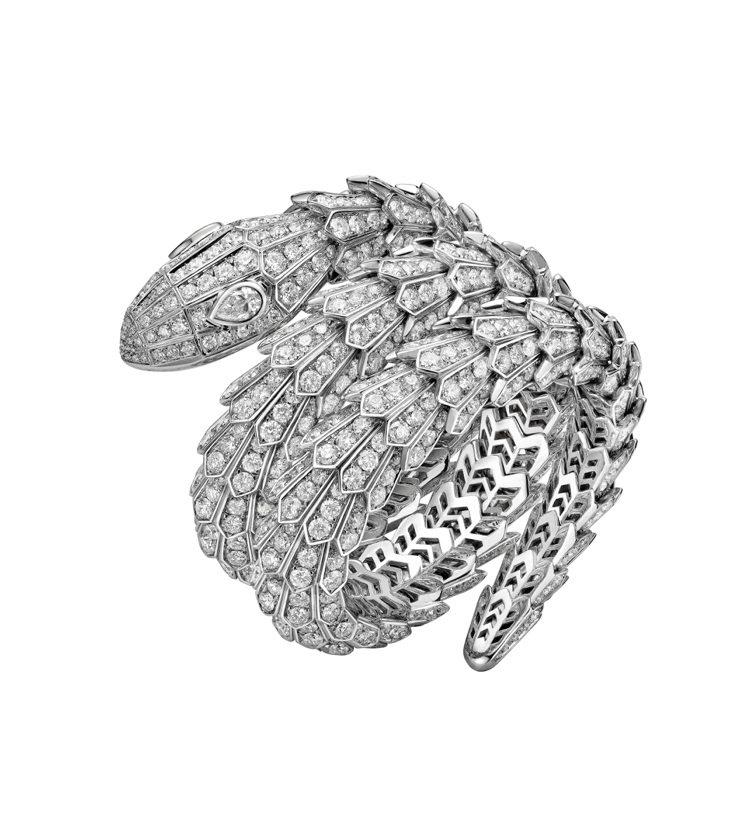 寶格麗Serpenti蛇型鑽石手環,售價860萬。圖/寶格麗提供