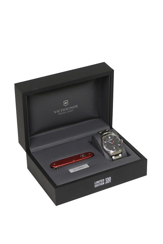 Victorinox為慶祝130周年推出大中華區限量紀念腕表,29,500元。圖...