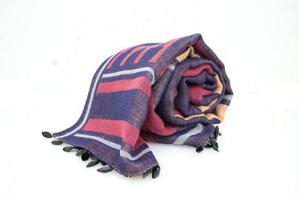 Anna Sui繽紛系列針織圍巾,5,980元。-圖/Anna Sui提供
