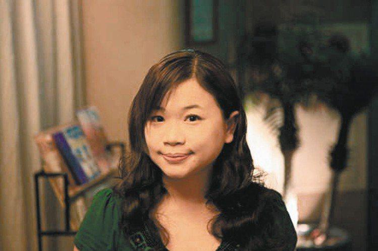 蘇恩瑩(上班族)每天臉部和頸部擦臉用防曬,身體有露出來的部分包括腿和手臂,甚至手...