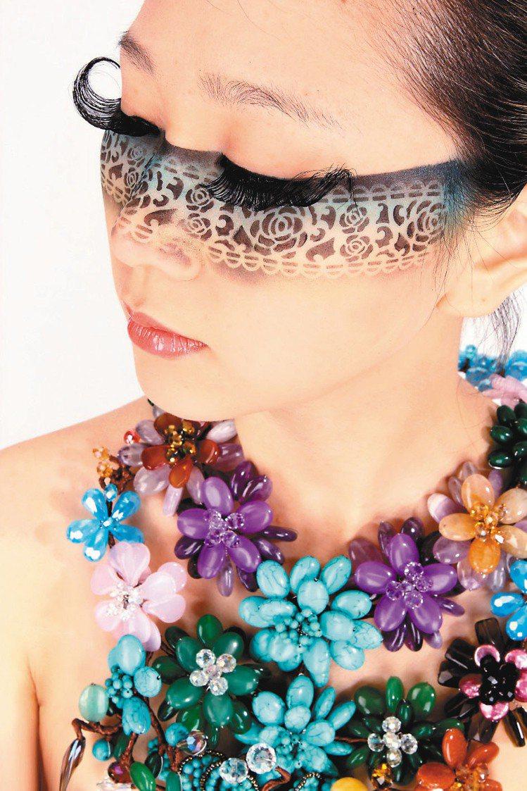 第23屆國際美容化妝品展秋冬展請來朱正生現場舉辦婚紗秀。圖/主辦單位提供