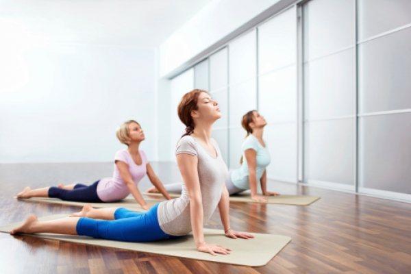 其實其他伸展運動也可以,不過他特別推薦瑜珈。伸展運動能將氧氣帶進肌膚內,促進血液...