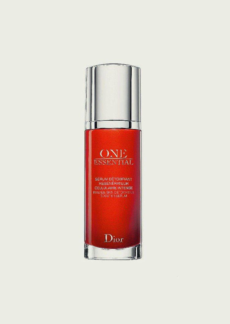 Dior新一代迪奧極效賦活精萃30ml,推薦價3200元。圖/Dior提供