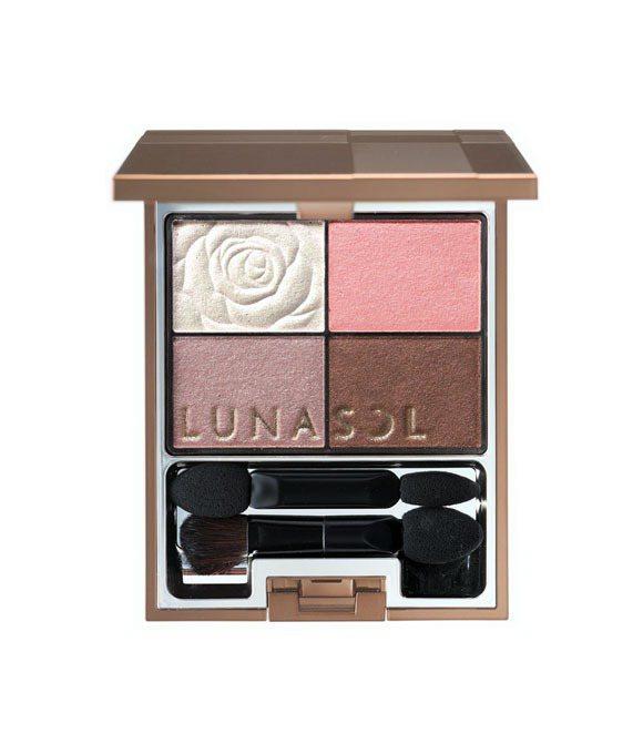 佳麗寶優櫃LUNASOL晶巧光燦眼盒(花顏)1,800元。圖/佳麗寶提供