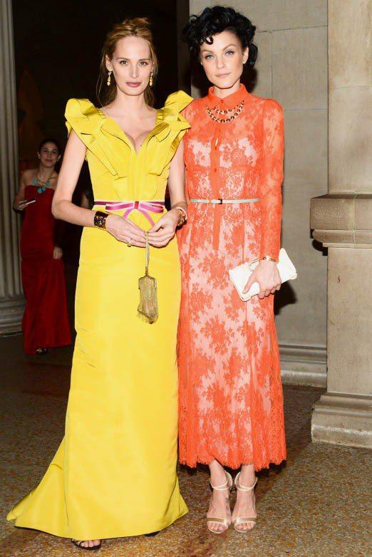 一向勇於改變髮色的Jessica Stam(右),在2012年初將天生的紅棕髮染...