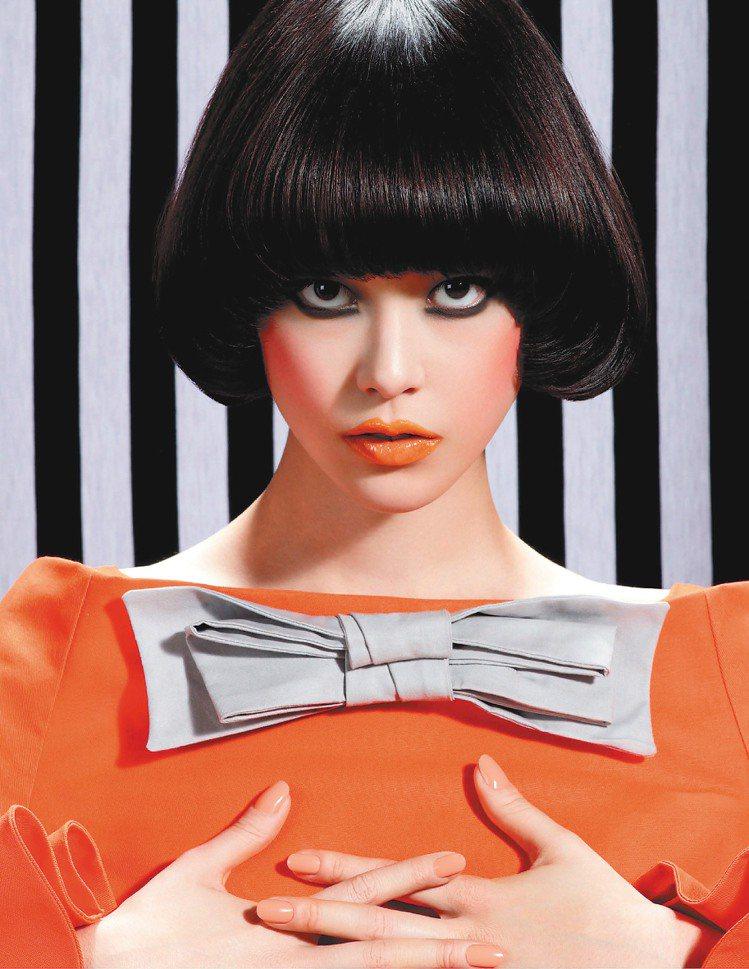 今年夏天唇膏的魅力有增無減,各種橘色、霓虹都是人氣色。圖/M.A.C提供