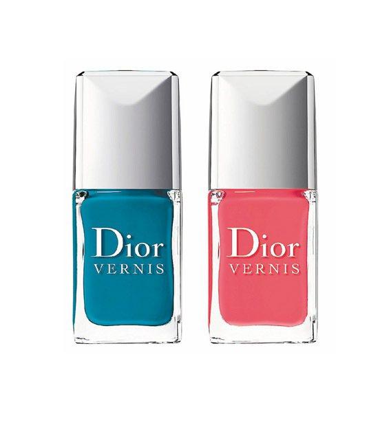 雙色指甲組,湛藍配桃紅帶來亮眼的指彩搭配。7mlx2/980元。圖/Dior提供