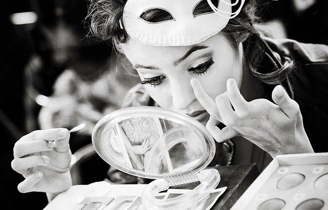 棉花棒是補妝工具的好幫手。圖/she.com Taiwan提供
