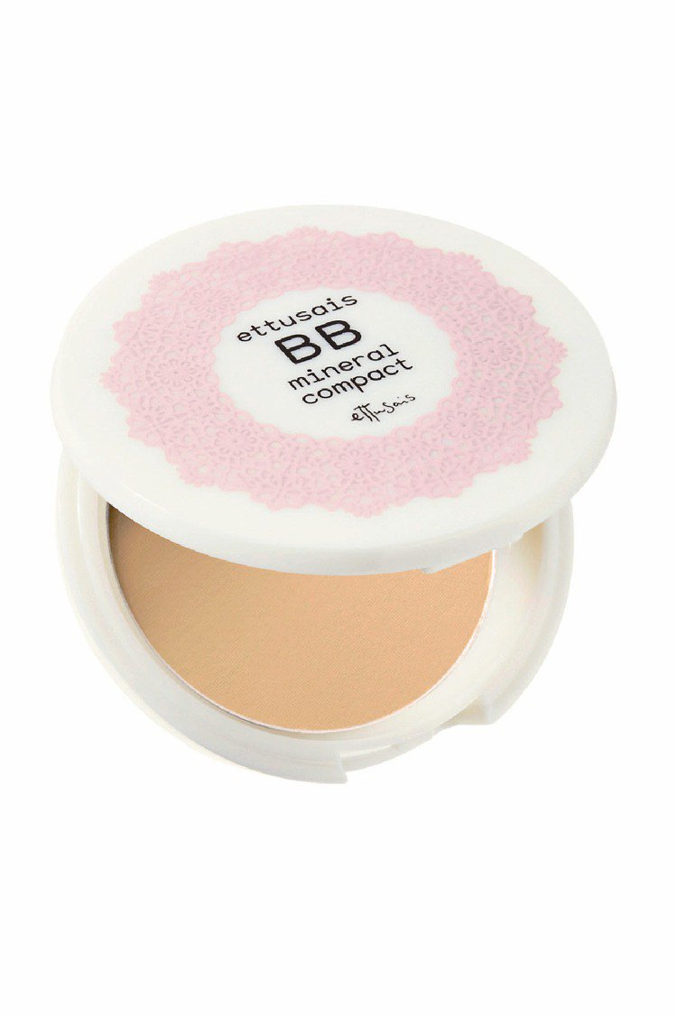 高機能美白礦物BB蜜粉餅,7g/800元。圖/艾杜紗提供