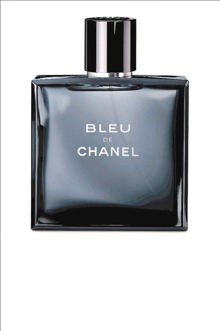 藍色男淡香推出限量加大版150ml/3,700元。圖/香奈兒提供