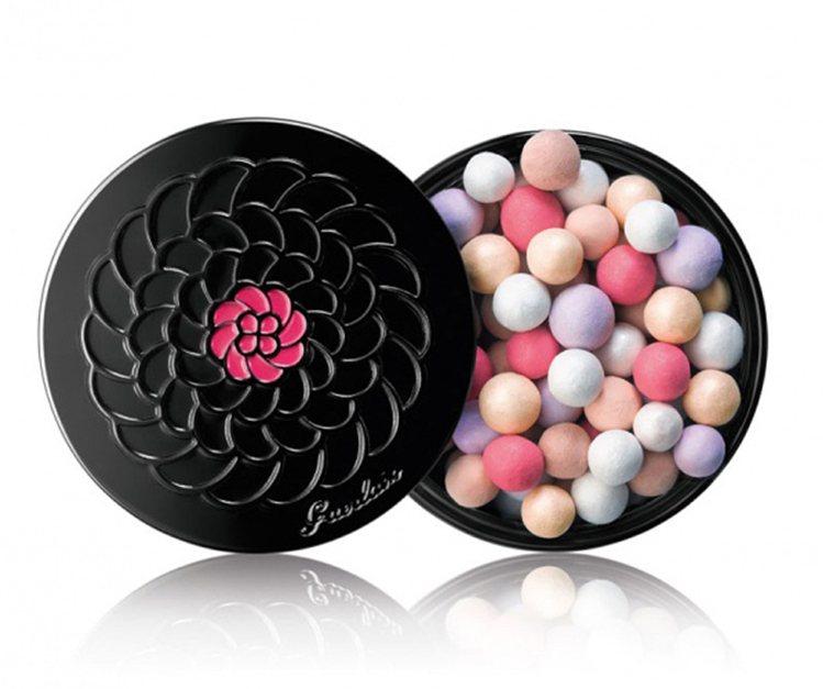 幻彩流星蜜粉球香榭麗舍68號限量版30g,建議售價2200元。圖/嬌蘭提供