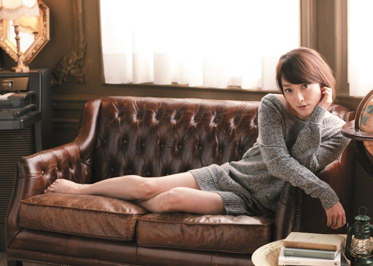 針織服也能巧妙嶄露性感。圖/大美人提供