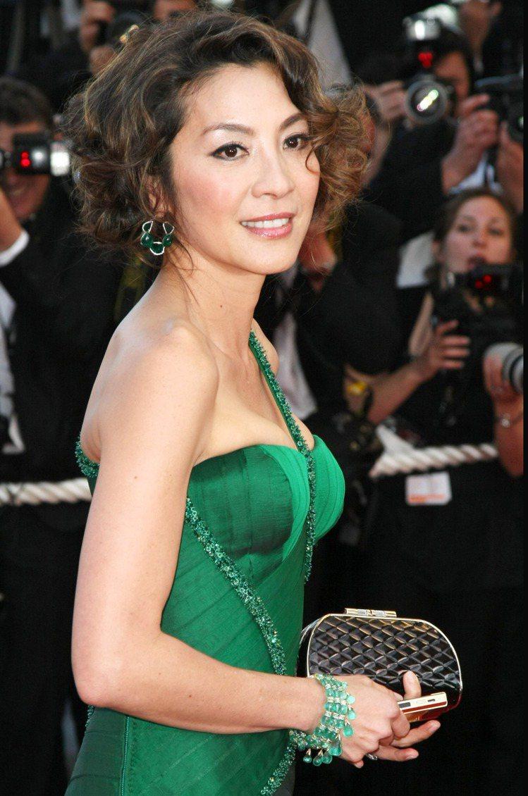 華人女星楊紫瓊配戴蕭邦頂級訂製珠寶。圖/迪生提供