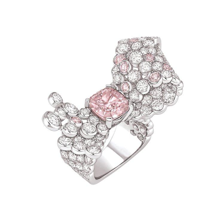 CHANEL Ruban Mademoiselle粉紅鑽戒指,18K白金材質,鑲...