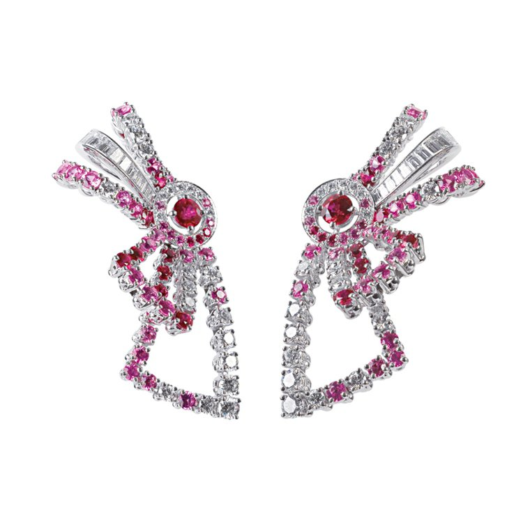 BOUCHERONAva蝴蝶結耳環,靈感來自40年代好萊塢女星Ava Gardn...