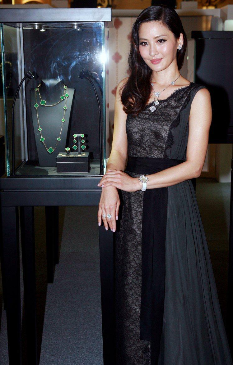 周汶錡婚後首度亮麗現身梵克雅寶Alhambra展覽開幕酒會。記者趙文彬/攝影