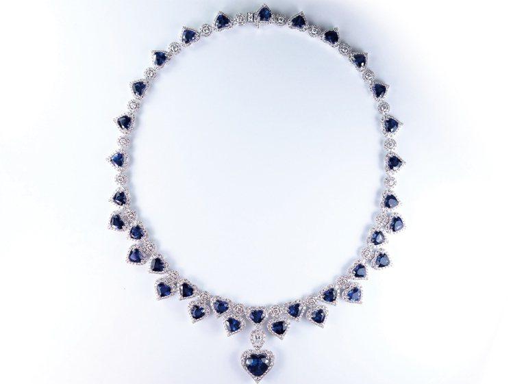 GLAMOUR FINE JEWELRY藍寶石項鍊。圖/珠寶之星提供
