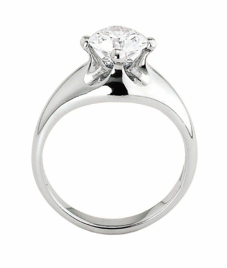 CORONA系列鑽戒,別緻爪台如新娘的皇冠頭紗,鉑金鑲嵌約0.3克拉,GVVS1...