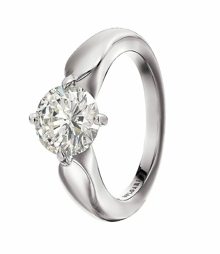 TORCELLO系列鑽戒,鉑金四爪鑲嵌約0.3克拉單鑽,FVS1等級,約10萬9...