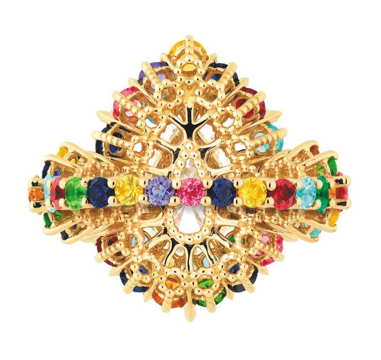 Cher Dior Exquise系列鑽戒,戒環和底部也鑲滿彩寶,和正面一樣精彩...